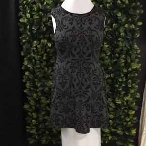 Dresses & Skirts - Sleeveless fit and flair dress